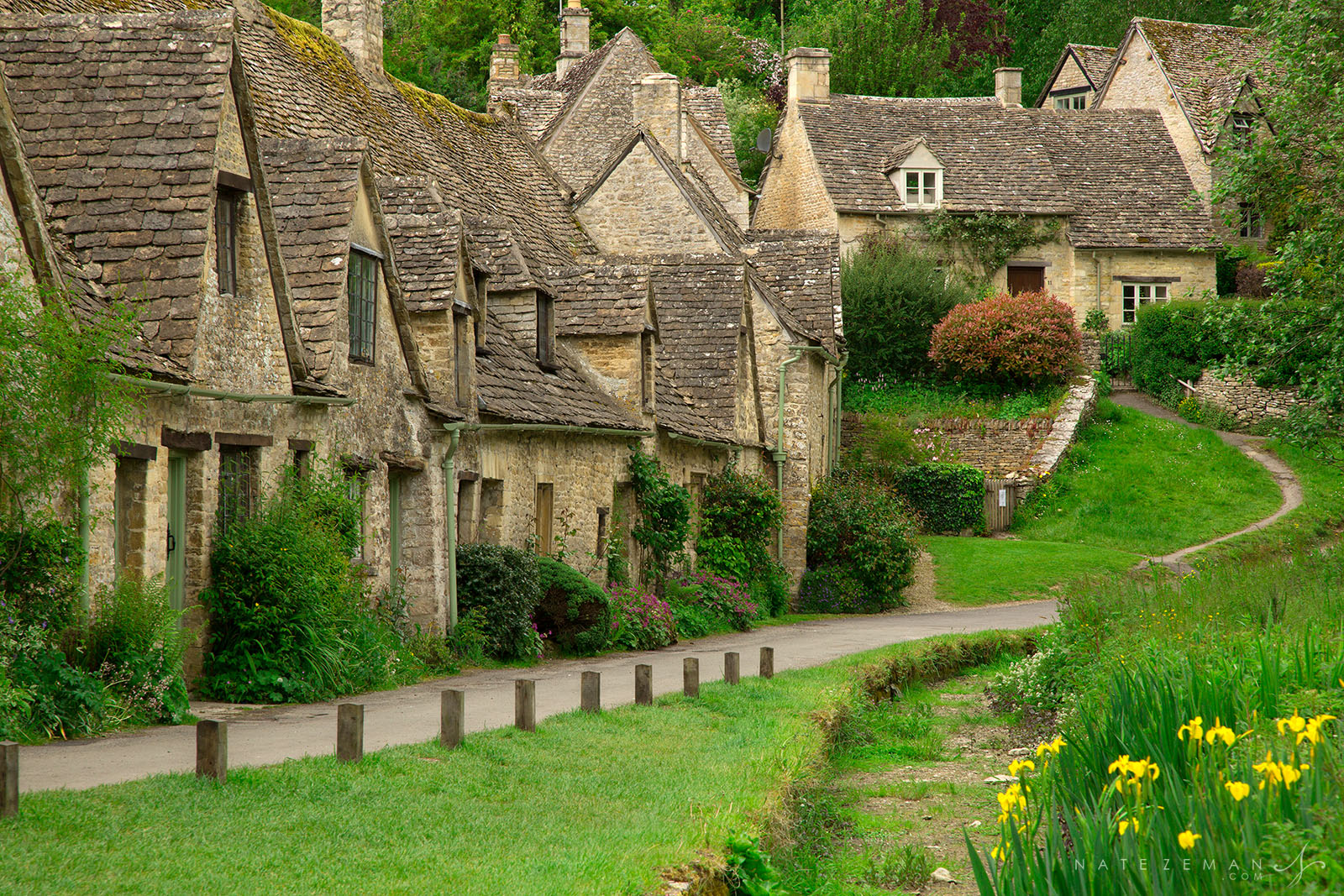 arlington row, cotswolds, england, cottages, bibury, photo